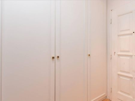 Fantastic room with shared balcony in 4-bedroom apartment, Charlottenburg