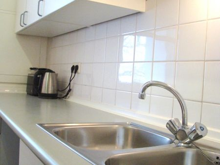 Double or Twin Room in a 3 room apartment DIRECTLY near BRANDENBURG GATE