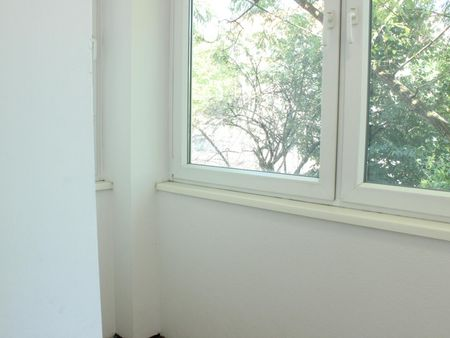 Cool single bedroom in Lichtenberg