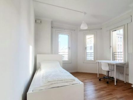 Sunny single bedroom in Kreuzberg
