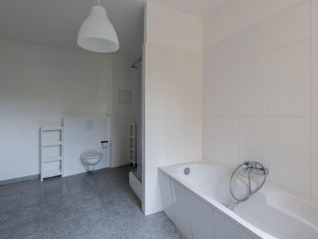 Bright single bedroom in Lichtenberg