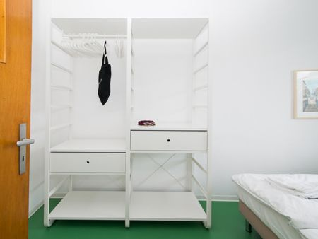 1-Bedroom apartment near Nauener Platz metro