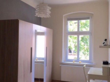 Bright 1 Bedroom Apartment next to Berlin-Kaulsdorf Station