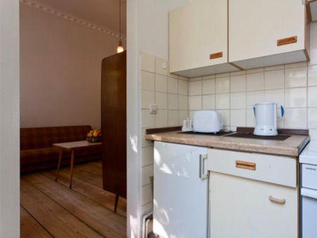 1-bedroom apartment next to Schönleinstraße metro station
