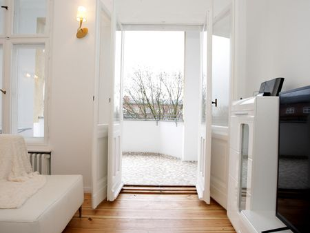 Modern 2-bedroom flat close to S Halensee train station