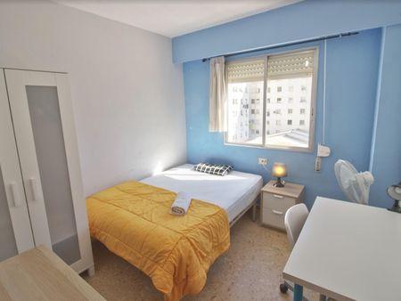 Mellow single bedroom near the Aragón metro