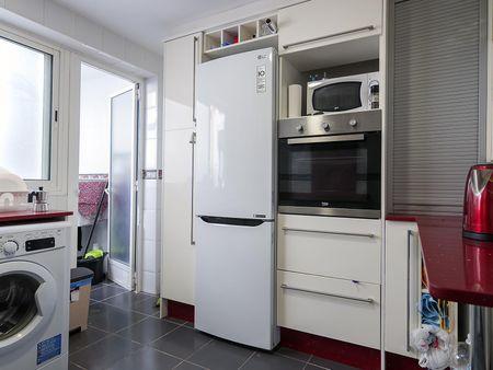Inviting double bedroom near Marítim - Serrería metro station
