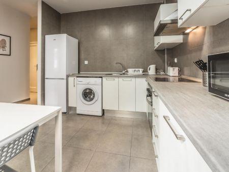 Awesome double bedroom in a 4-bedroom flat, in proximity to Universidad Europea de Valencia