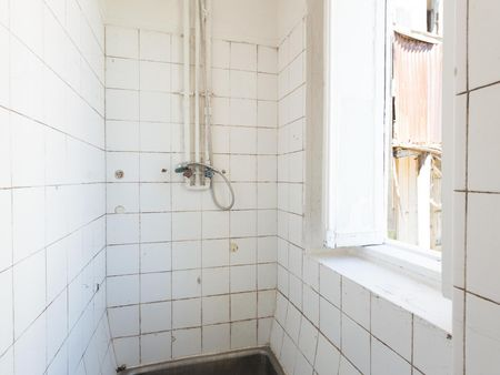 Homely single bedroom in a residence, not far from Universidade do Porto