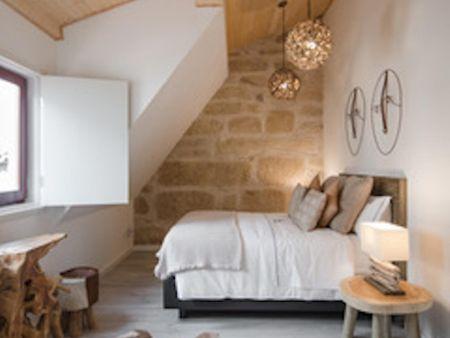 Double suite bedroom near Praça de Mouzinho de Albuquerque