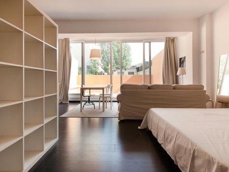 Awesome studio apartment in Cedofeita