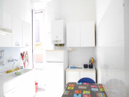 Quarto com cama double em apartamento com 3 quartos