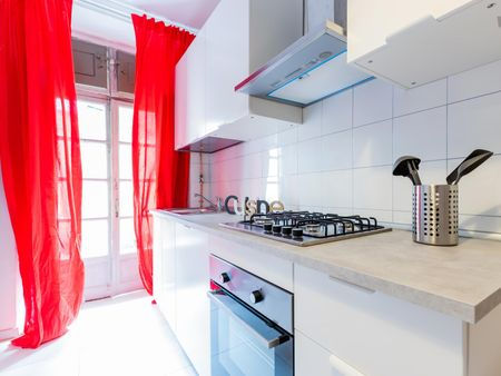 Awesome double bedroom close to the Porta Nuova train station