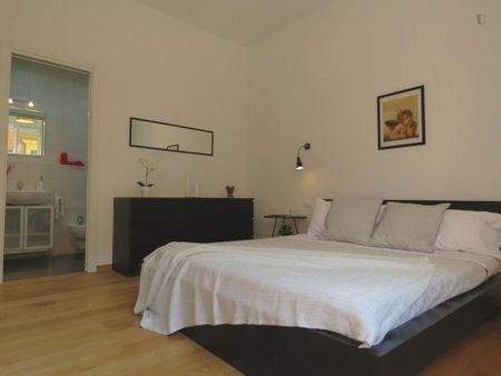 Wonderful 3-bedroom apartment close to Porta San Felice