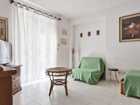 2-bedroom apartment near the Spezia metro