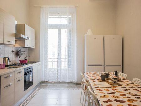Bright double bedroom close to Porta Nuova station