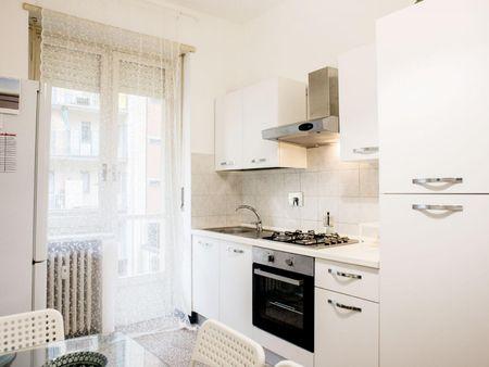 Airy double bedroom close to Politecnico di Torino