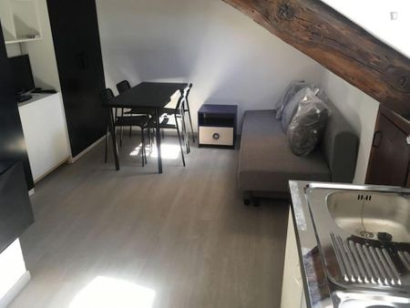 GE04 Cozy studio close to Polytechnic of Turin