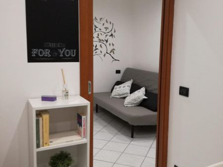 Fancy one bedroom apartment right next to Spezia metro station