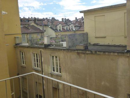 Bright apartment near Via Roma