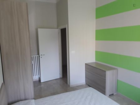Big double bedroom with balcony well connected to Politecnico di Torino