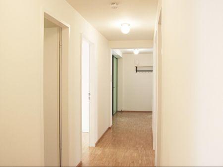 Bright double bedroom in a 4-bedroom apartment near Technische Universität Hamburg