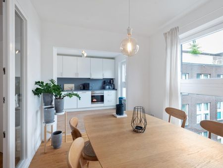 Modern double bedroom in a nice apartment near Potsdamer Platz Bahnhof