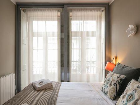 Amazing 2-bedroom apartment close to São Bento metro station