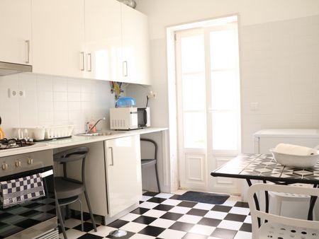 1 Bedroom 50 m2 apartment w/ terrace near Castelo São Jorge