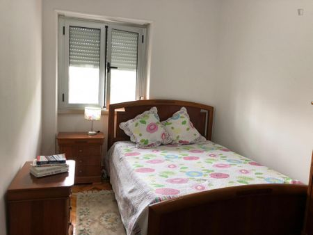 Double bedroom, with balcony, in 2-bedroom apartment