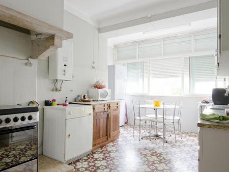 Lovely single bedroom in a 3-bedroom apartment, close to Universidade de Lisboa