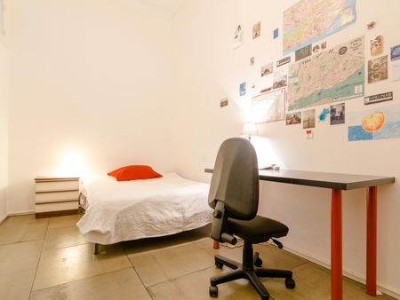 Single ensuite bedroom in a flat, near Faculdade de Ciências da Universidade de Lisboa