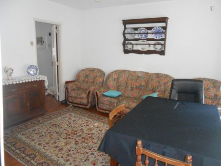 Very nice and cosy single bedroom in Oeiras