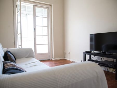 Cosy and bright double bedroom in Alvalade