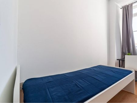 Neat and cosy single bedroom in Benfica
