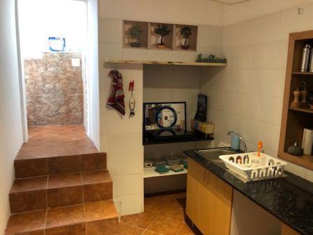 Very nice 3-Bedroom apartment with patio in Alcântara