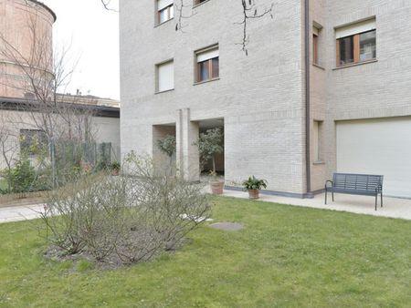 2-Bedroom apartment near Porta San Felice