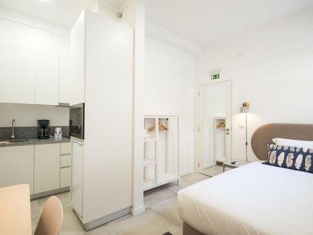 Double bedroom in 1-bedroom house