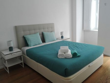 Amazing 2-bedroom apartment nearby Faria Guimarães metro station