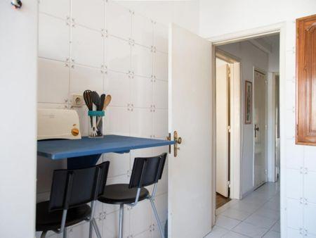 Great 2-bedroom apartment close to Alto dos Moinhos metro station