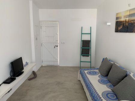 Nice 1-bedroom apartment around Trafaria ferry terminal