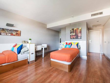 Bed in lovely twin ensuite bedroom in a residence, near Universidad Politécnica de Madrid
