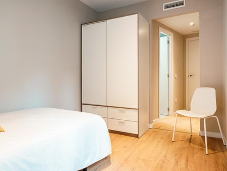 1D1 - Individual bedroom with private bathroom, centrally located in Getafe