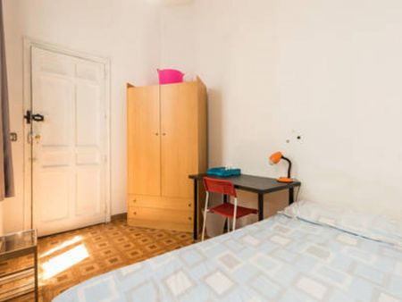 Double bedroom with no window in simple 10-bedroom flat in exciting Sol