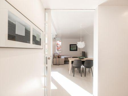 Nice 2-bedroom apartment near Escola Universitària Salesiana de Sarrià