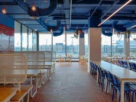 Modern studio in a residence near Palau Reial metro stop