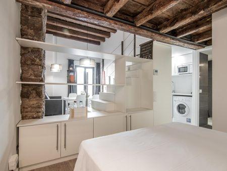 Moderní 3-pokojový byt v blízkosti stanice metra Jaume I