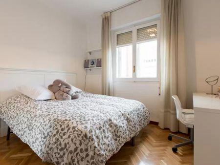 Comfortable double bedroom in the elegant El Viso neighbourhood