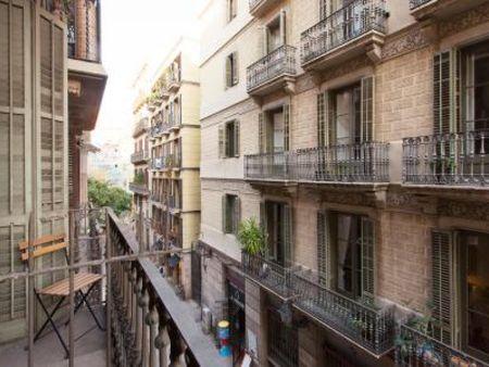 Charming 3-bedroom apartment near Barceloneta metro station