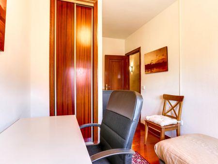 Charismatic single bedroom near the Fuente de la Mora train station